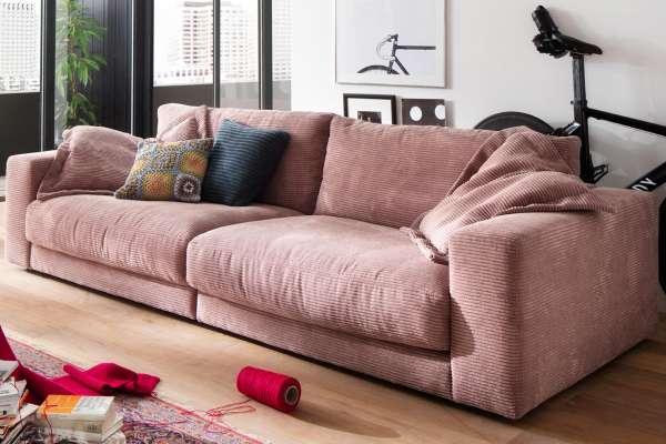 Candy Sofa Seventies 290cm in Cord rosa und Sitztiefe 64cm2er Set Flatterkissen 75x75cm